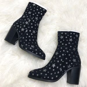 Steve Madden Black Velvet Star Booties